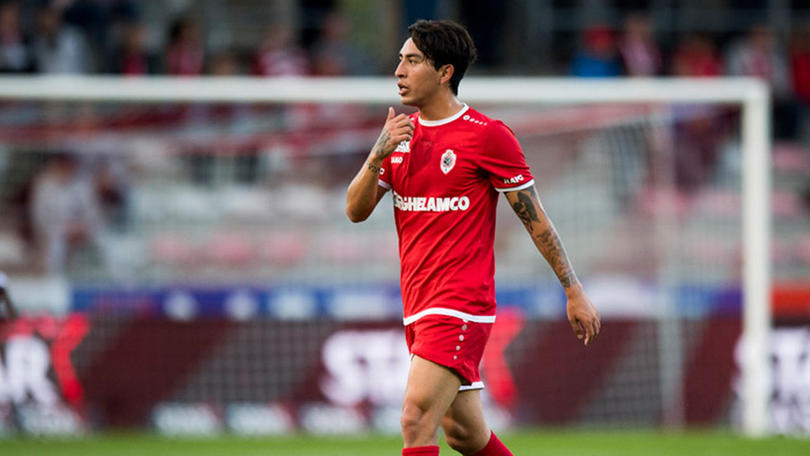 Omar Govea en un partido con Royal Antwerp