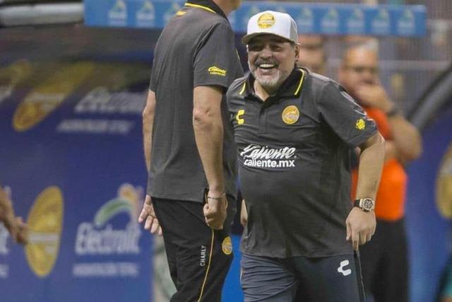 Maradona ficha con Caliente