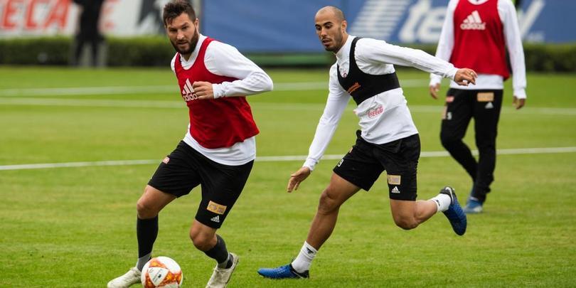 André-Pierre Gignac y Guido Pizarro en un entrenamiento de Tigres