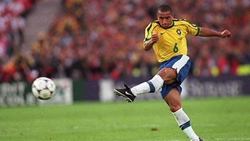 Roberto Carlos hizo en 1997 el 'gol que desafío a la física'