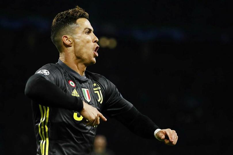 Cristiano Ronaldo festeja su gol ante Ajax