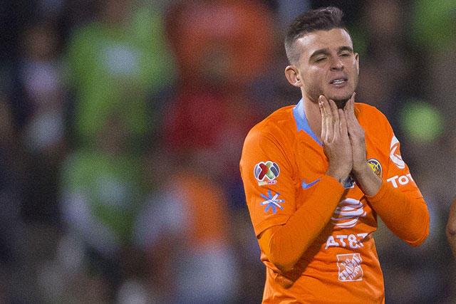 Nicolás Benedetti terminó con fractura en el pie por una falta en la final de Copa MX