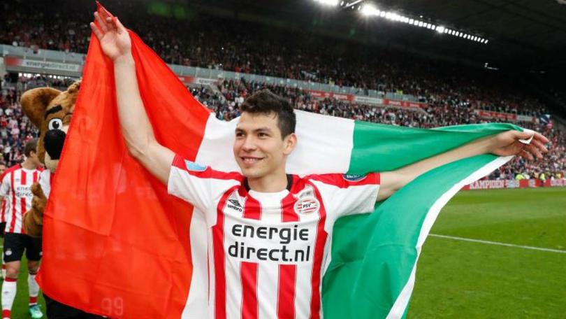 Hirving Lozano en un partido del PSV