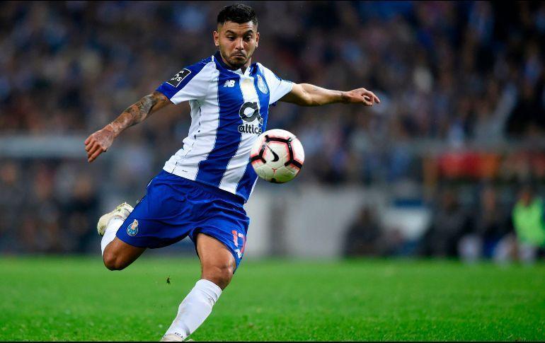 Jesús Corona en un partido con Porto