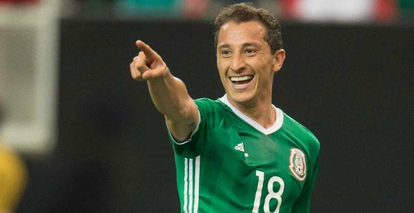 Andrés Guardado en un partido con la Selección Mexicana