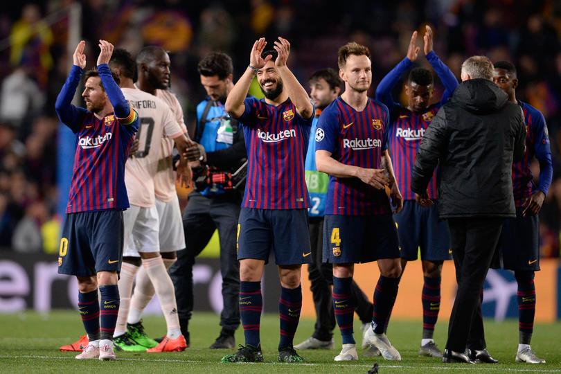 Luis Suárez y Lionel Messi festejando el pase del Barcelona a semifinales de Champions League