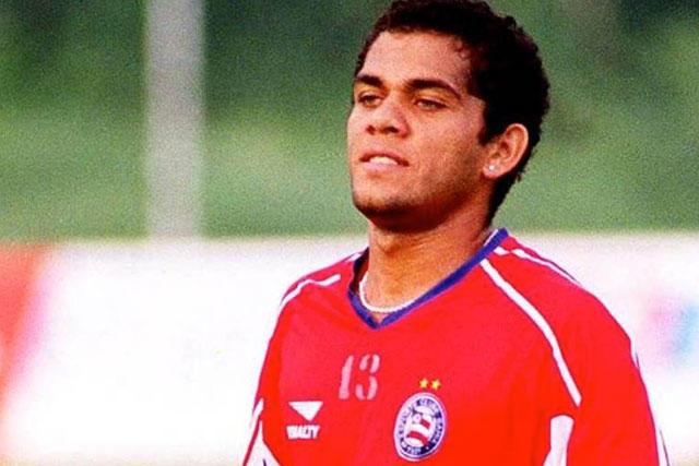 Dani Alves con el Bahía