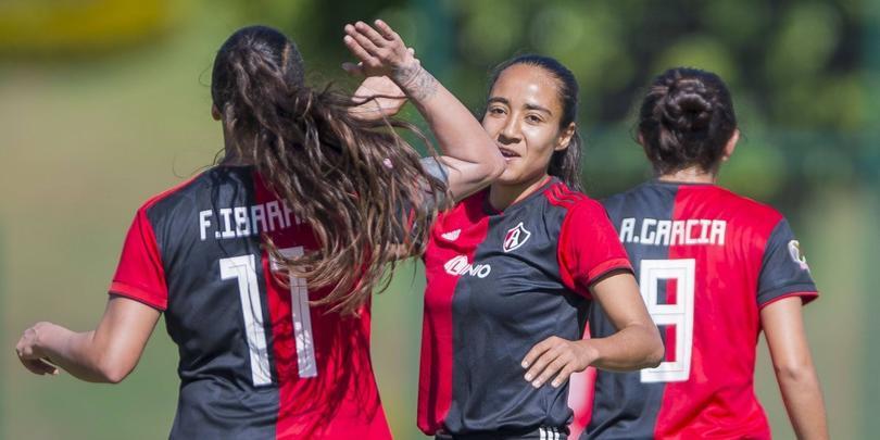 Ibarra se convirtió en la primera futbolista del Atlas femenil en conseguir el titulo de goleo