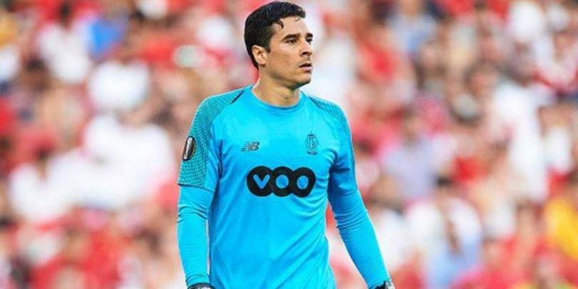 Guillermo Ochoa jugará contra el Royal Antwerp de Omar Govea