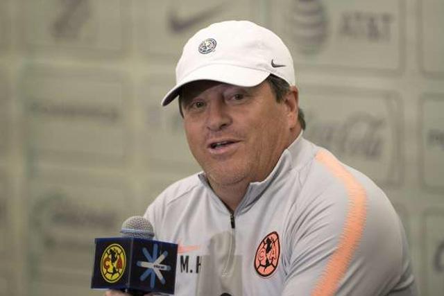 Miguel Herrera dio a conocer su 11 inicial con el que enfrentará a Santos