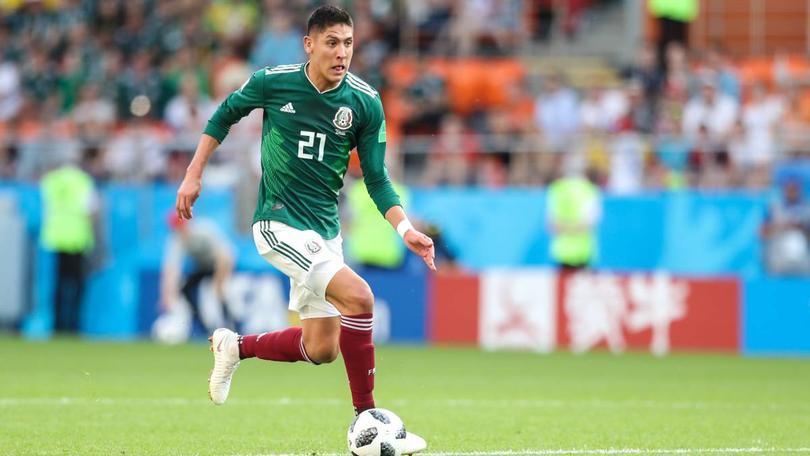 Edson Álvarez en un partido con la Selección Mexicana