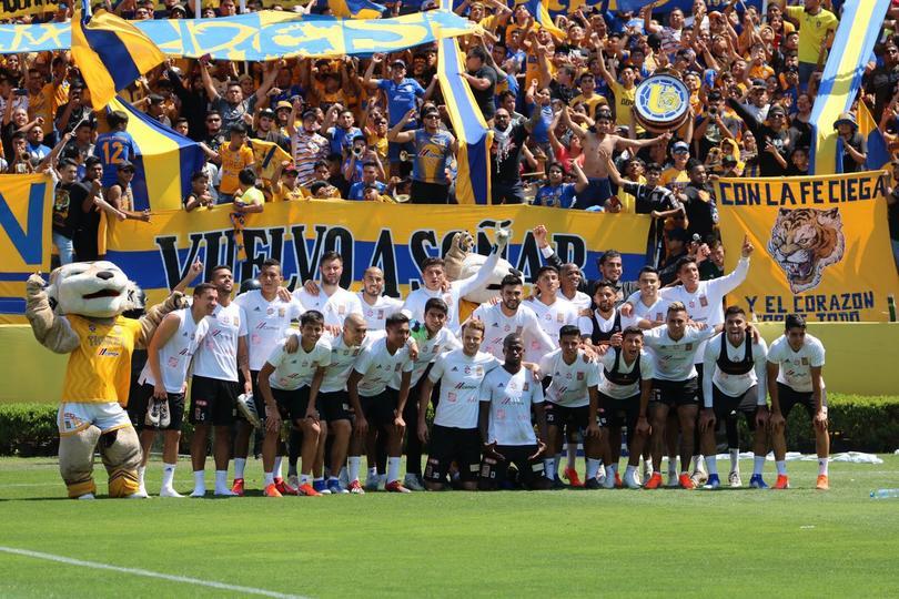 Entre miles de aficionados, Tigres comienza preparación para la final de vuelta contra Rayados