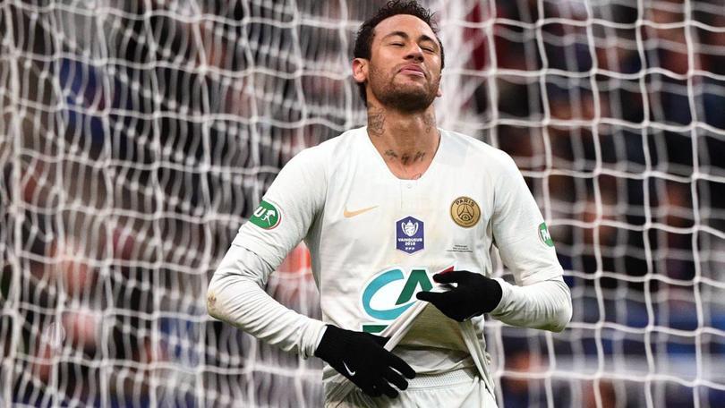 La dura sanción que recibiría Neymar por agredir un aficionado