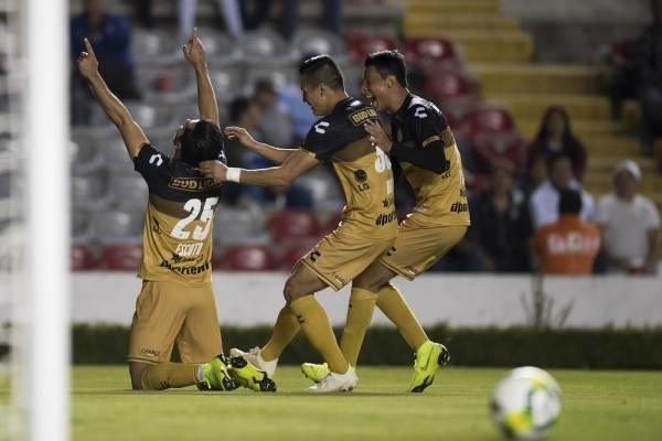 Escoto celebra su gol conseguido ante Mineros