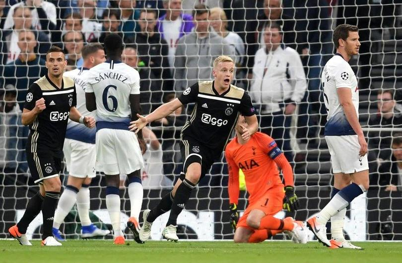 Ajax vence por la mínima al Tottenham en la ida de semis de Champions