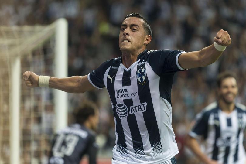 Rogelio Funes Mori festejando un gol con Rayados