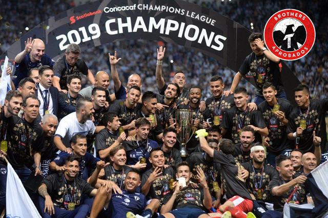Layún recibió la felicitación del Porto por su campeonato en la Concachampions