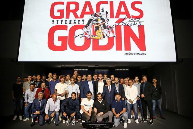 Godín dio una conferencia de prensa para anunciar su adiós del Atlético de Madrid