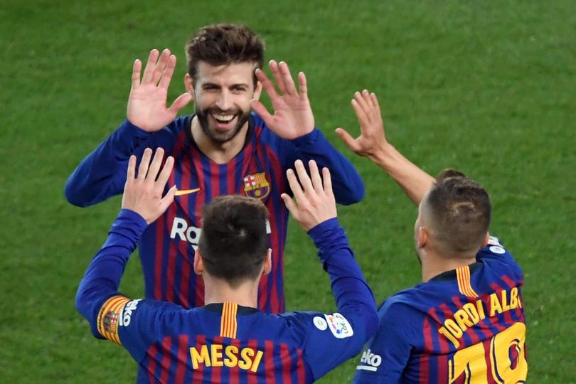 Messi, Piqué y Alba, tres de los canteranos de la Masía