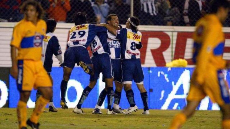 Pachuca vs Tigres Invierno 2001