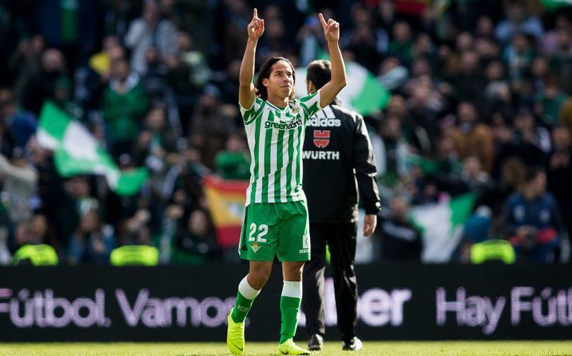 Luis Suárez quiere a Hirving Lozano o Diego Lainez como blaugranas
