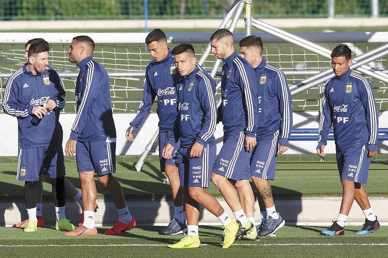 Scaloni llamará a tres argentinos de la Liga MX en la prelista de Copa América