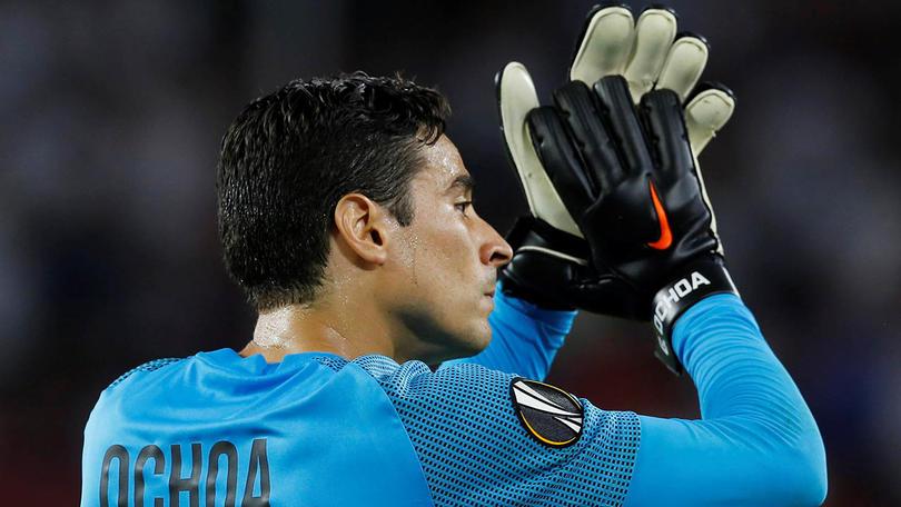 Probablemente Memo Ochoa jugará su último partido con Standard Liège