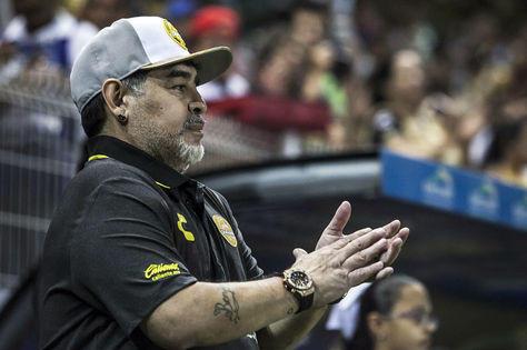 Las condiciones de Maradona para renovar con Dorados