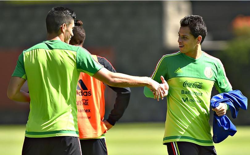 Chicharito fue apoyo de Raúl Jiménez cuando llegó a Wolverhampton