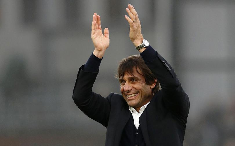 Antonio Conte celebrando una victoria