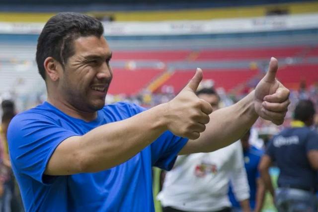 Salvador Cabañas regresa al futbol mexicano