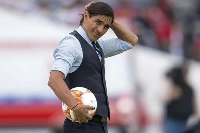 Francisco Palencia no seguirá como DT de Lobos