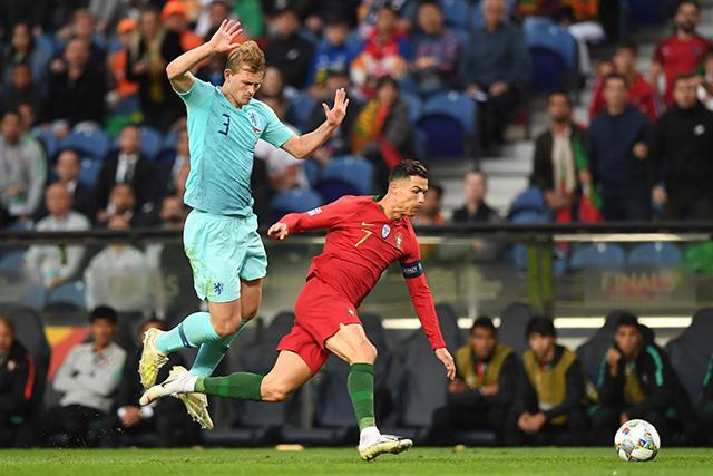 Cristiano Ronaldo sorprendió a de Ligt con una petición