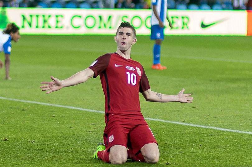 Pulisic celebra un gol con su Selección