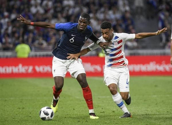 Tyler Adams en un partido contra Francia