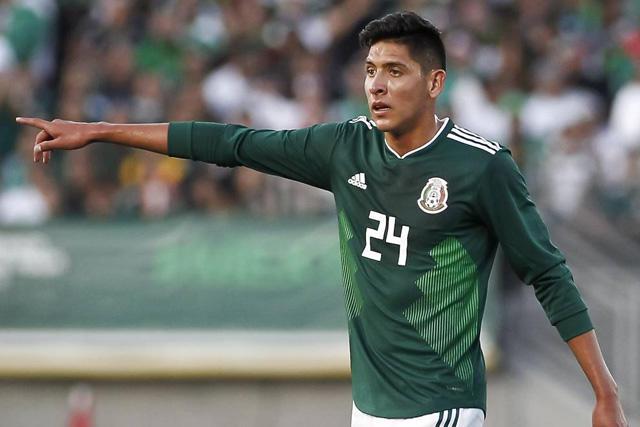 Edson Álvarez interesa a cuatro equipos de Europa