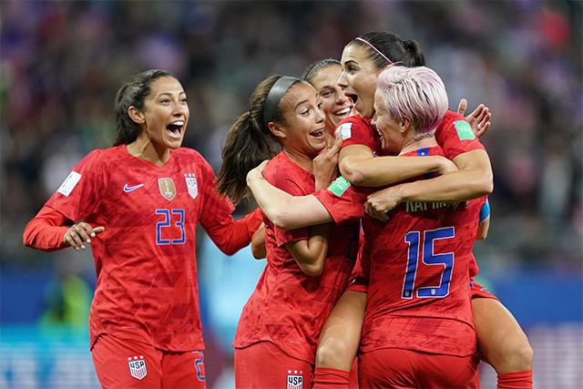 Estados Unidos goleó 13-0 a Tailandia en su debut del Mundial Femenil