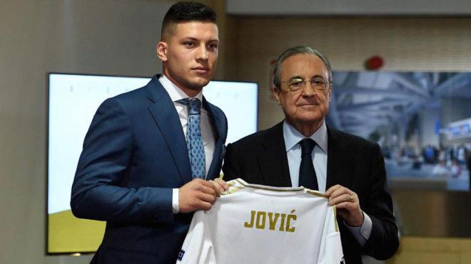 Luka Jovic es presentado con el Real Madrid