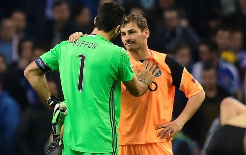 Casillas y Buffon en partido de Champions