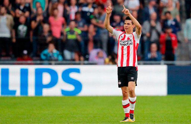 Chucky celebrando con el PSV