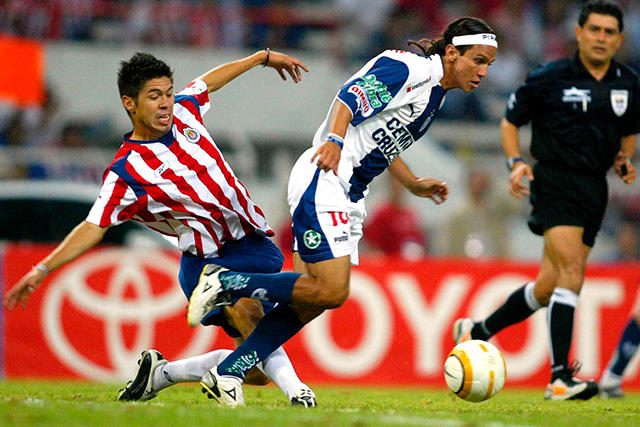 Oribe Peralta en Copa Libertadores con Chivas