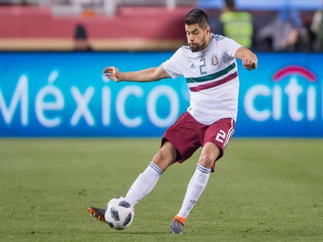 Néstor Araujo es uno de los jugadores que interesan al América