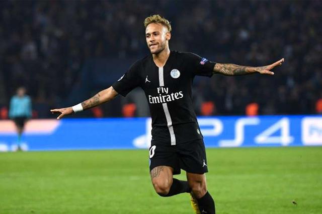 PSG habría propuesto al Manchester intercambiar a Neymar por Pogba