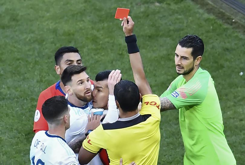 Expulsión a Lionel Messi y Gary Medel
