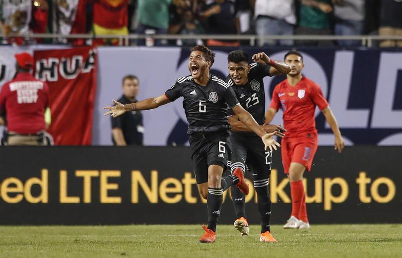 Jonathan Dos Santos celebra el gol ante Estados Unidos
