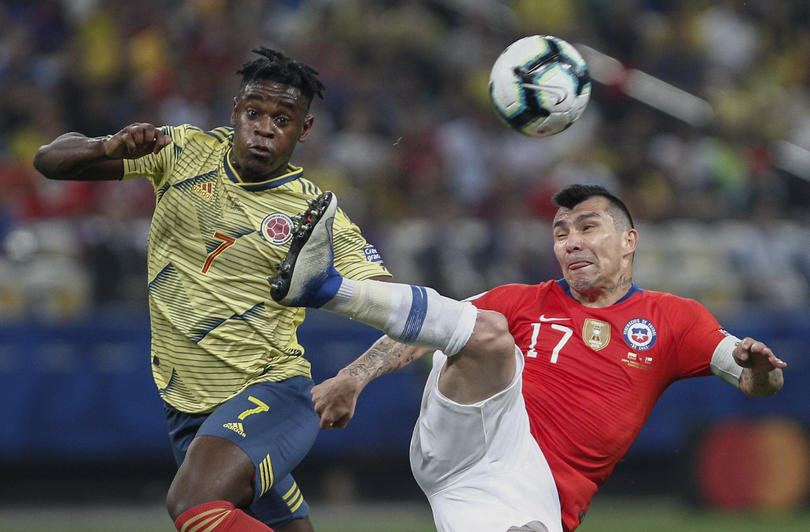 Duvan Zapata vs Chile