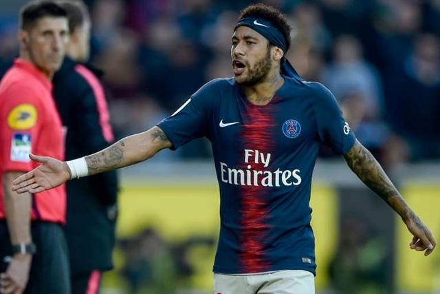 PSG confirma acercamientos con el Barcelona por Neymar
