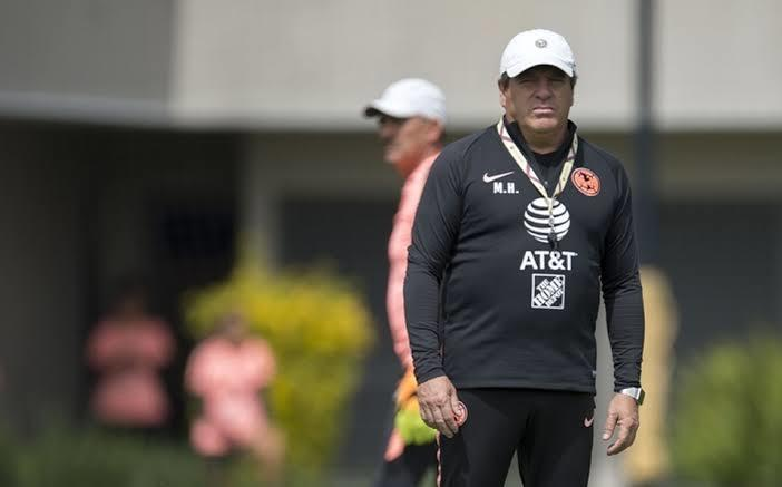 Miguel Herrera descartó acercamientos con Diego Reyes