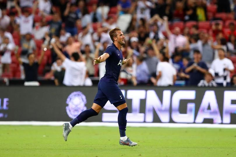 Harry Kane metió un golazo de media cancha en amistoso