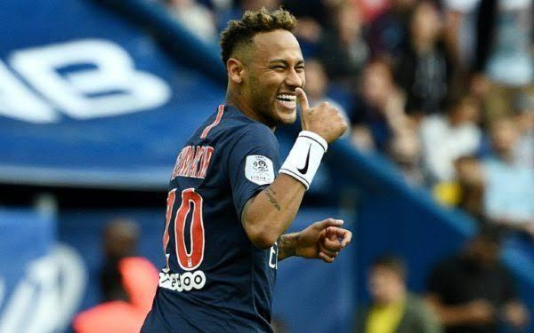 El PSG habría recibido una gran oferta del Real Madrid por Neymar